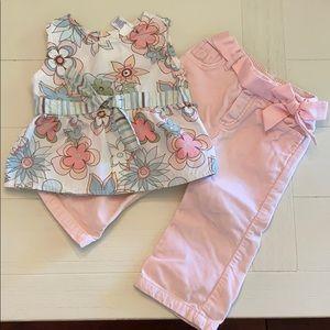 Flower top and bow velvet pants